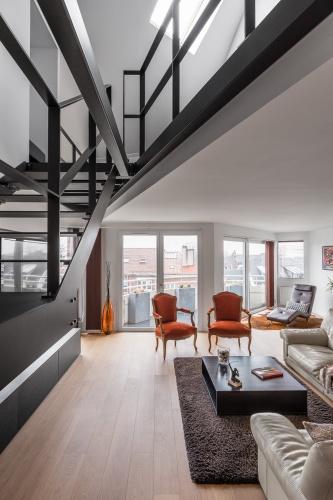 Restructuration complète d'un grand appartement en duplex