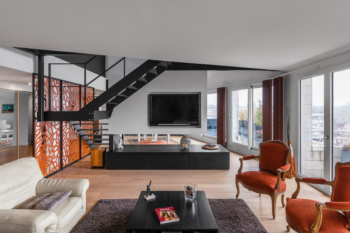 Restructuration complète d'un grand appartement en duplex : architecte lille loft duplex industriel poutre métal parquet cuisine ilot piano décoration intérieur Jean-Philippe AUGUSTO