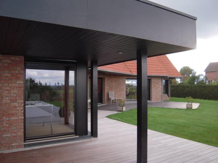 Extension Maison Contemporaine : terrasse couverte